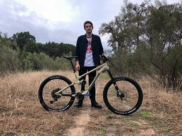 Welcome to the squishy side of riding, Reid 🤙🏽 Bike: Transition Bikes 2018 Scout  GX Build (Large) #transitionbikes #trannygang #srammtb #srameagle #rockshox #anvlcomponents #lezyne #stansnotubes #odigrips #foxshocks #foxracingshox #maxxistires #ridefox